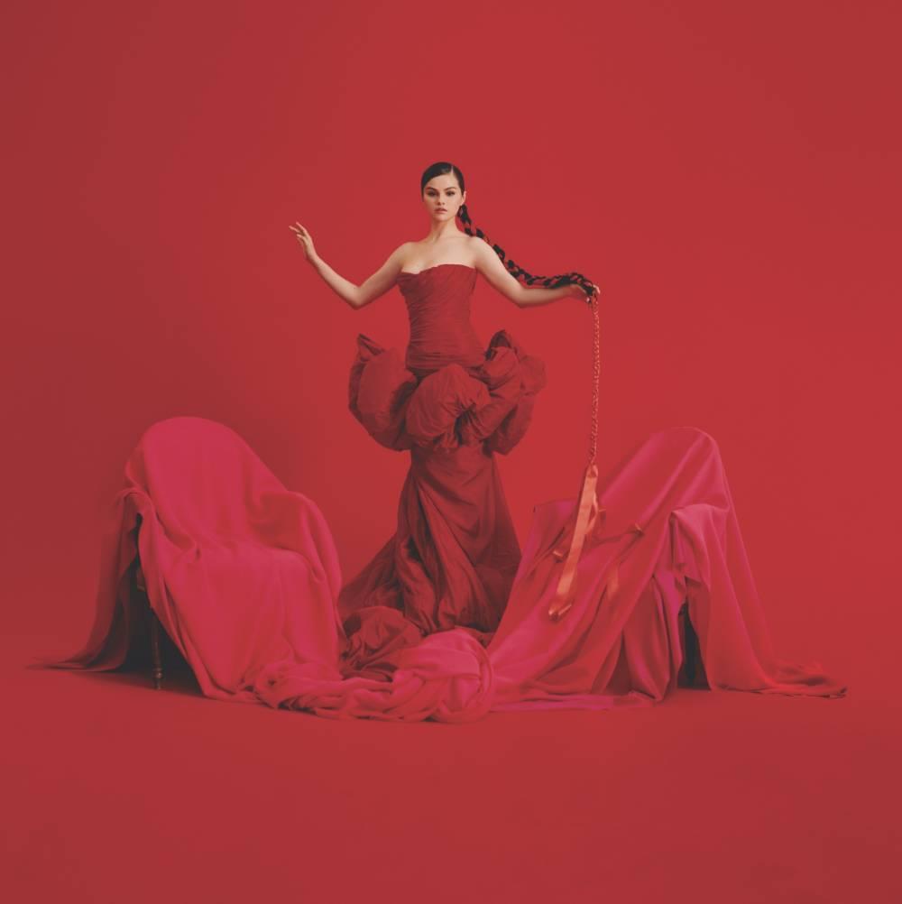 Selena Gomez revela el 'tracklist' de su nuevo disco en español
